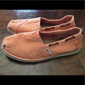 Toms Size 9.5